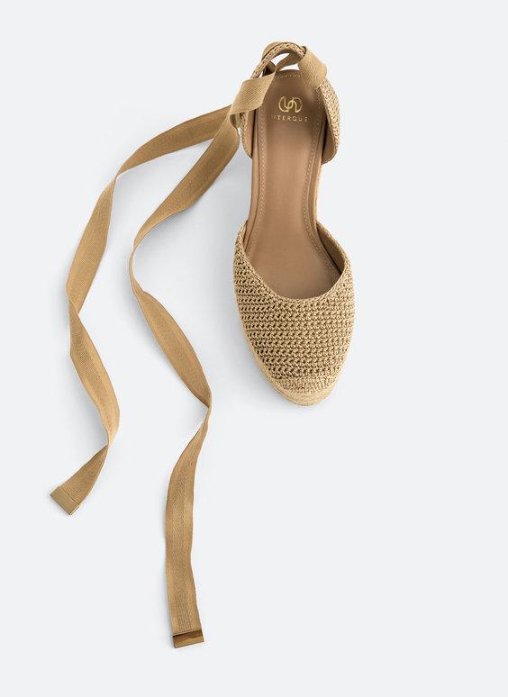 Chaussures en crochet avec liens à nouer et talon compensé en jute