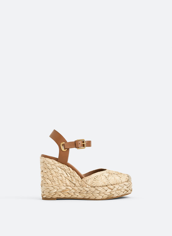 Sandales à talon compensé en raphia tressé
