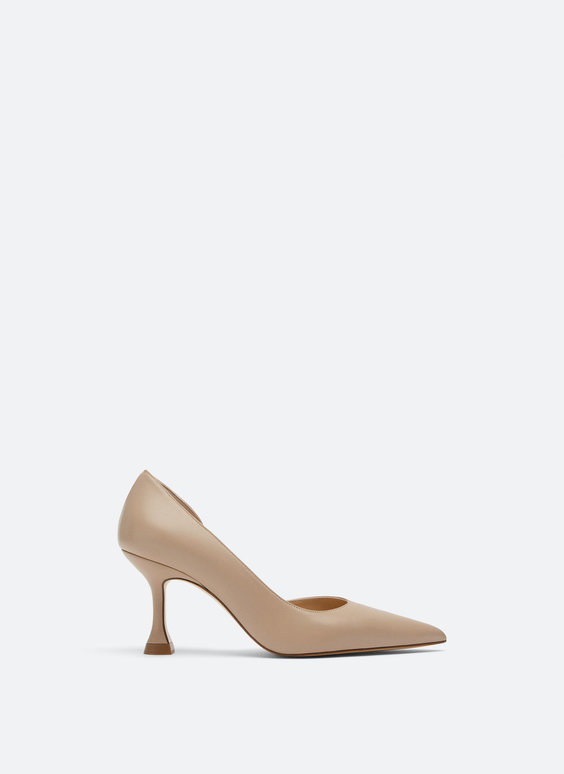 Asymmetric high-heel shoes