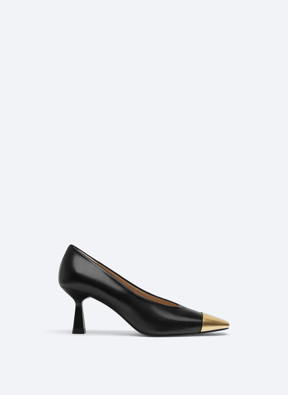 Leather high-heel shoes with toecap