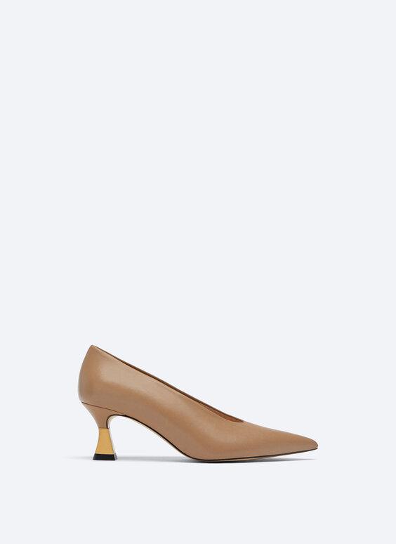 Кожаные туфли на металлическом каблуке