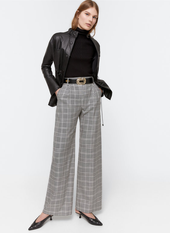 Check wide-leg trousers with darts
