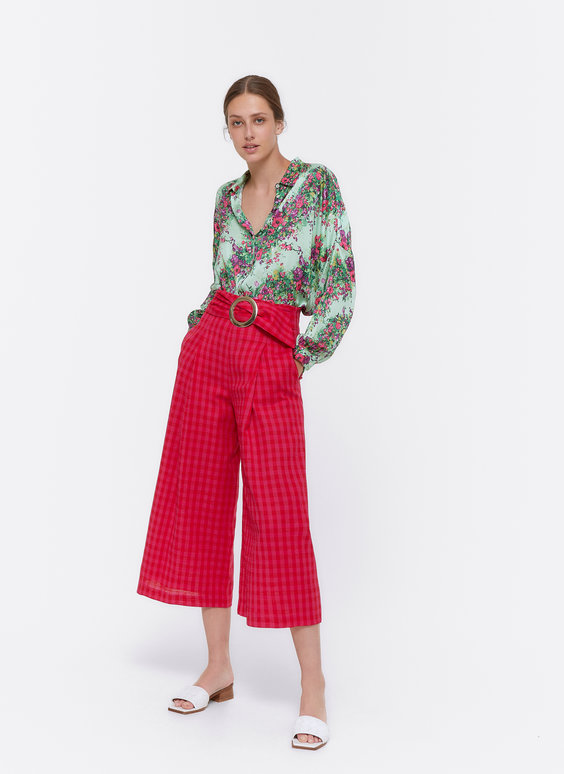 Culotte trousers with buckle