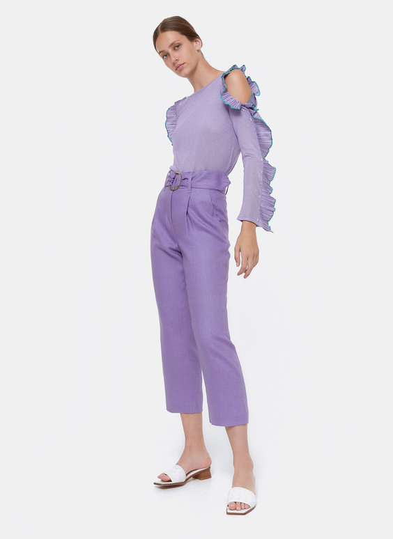 Linen trousers with buckle