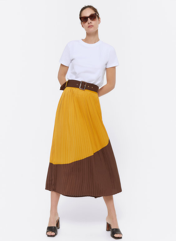 Pleated two-tone skirt