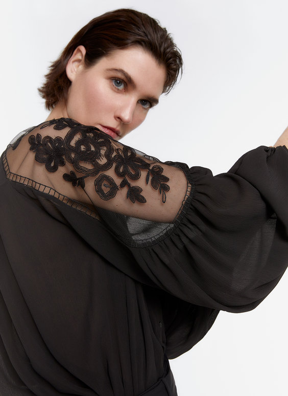 Embroidered crepe shirt