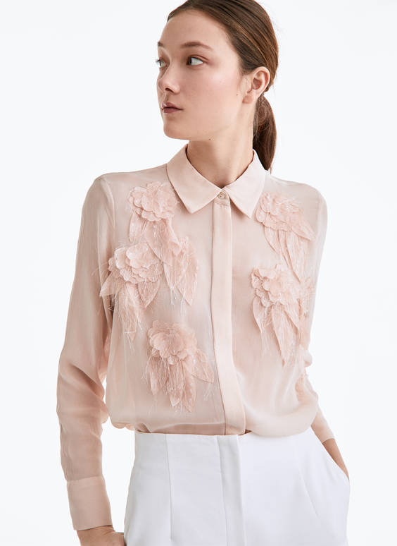 Shirt with floral embroidery