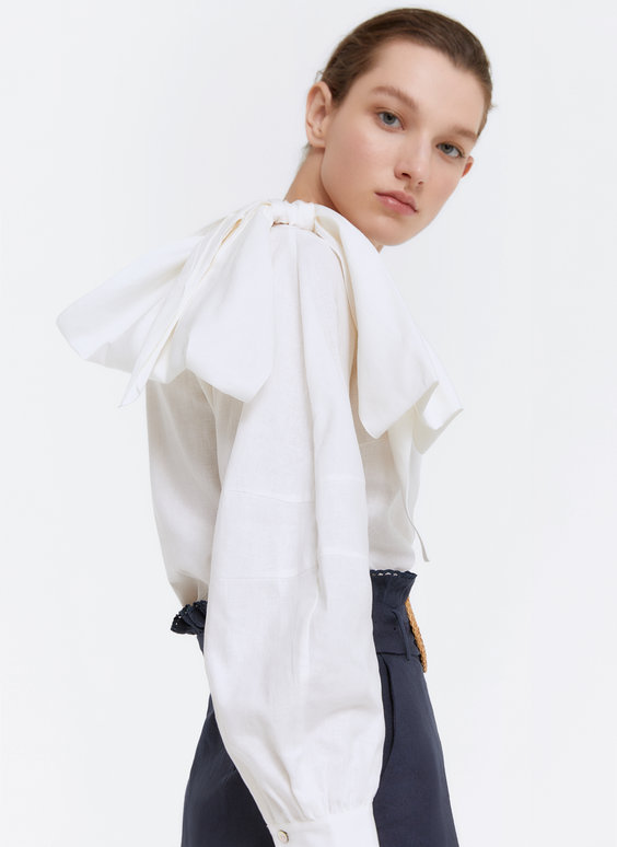 Linen shirt with bow