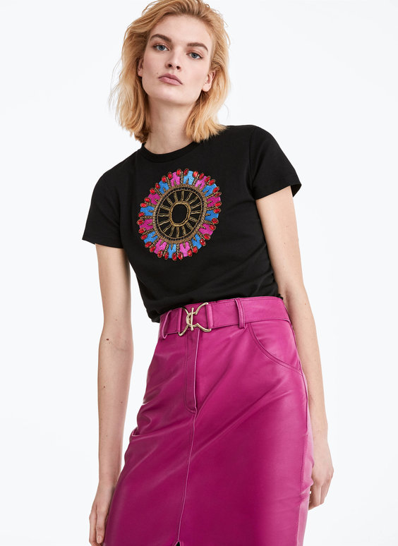 Embroidered rhinestone circle T-shirt
