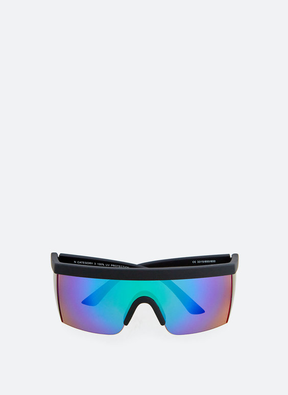 Polarised visor sunglasses