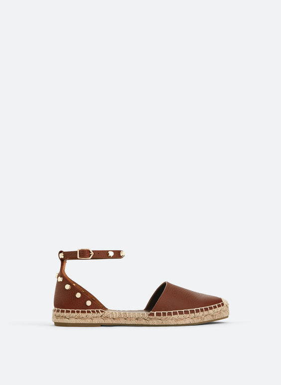 Leather espadrilles with studs