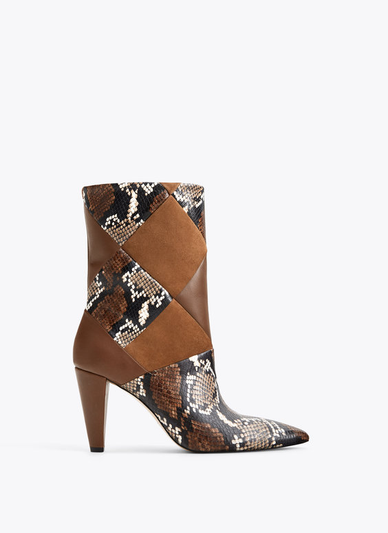Ankle boots with contrasting print