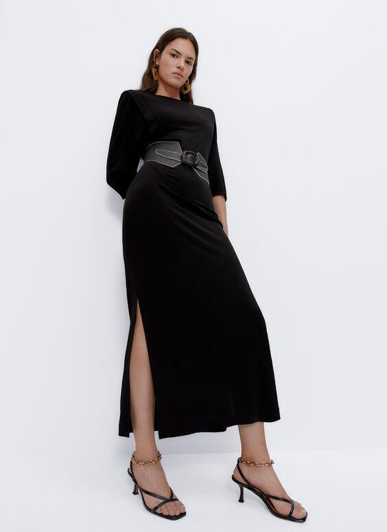 فستان طويل بكتافات