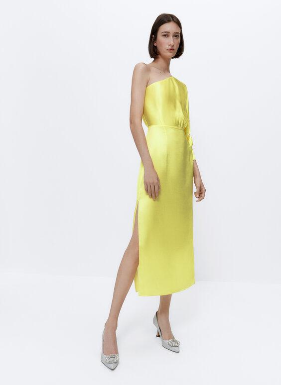 فستان غير متماثل بأزرار تزيينية