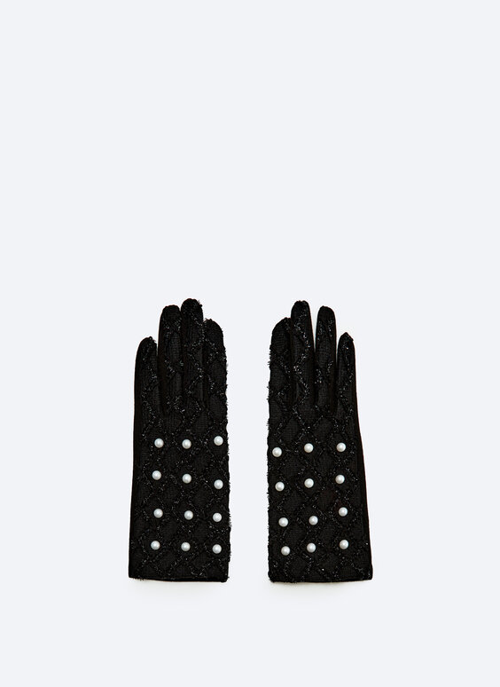 Fabric gloves with pearl beads