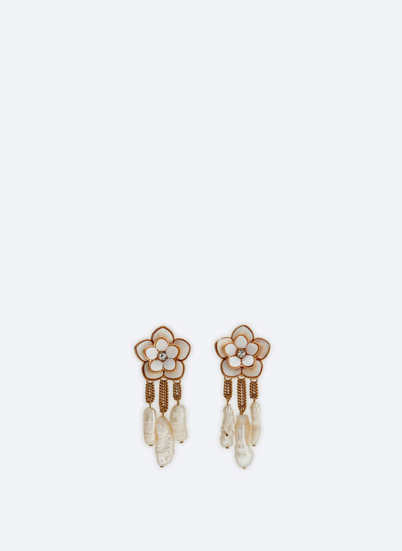 Lacquered flower earrings with pearl beads