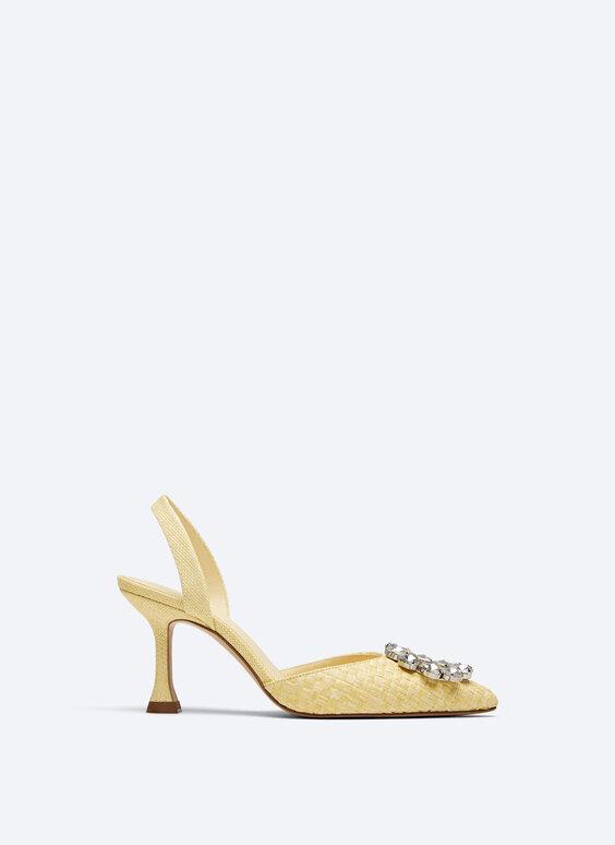 Schuhe mit offener Ferse und Schmuckstein in Flechtoptik