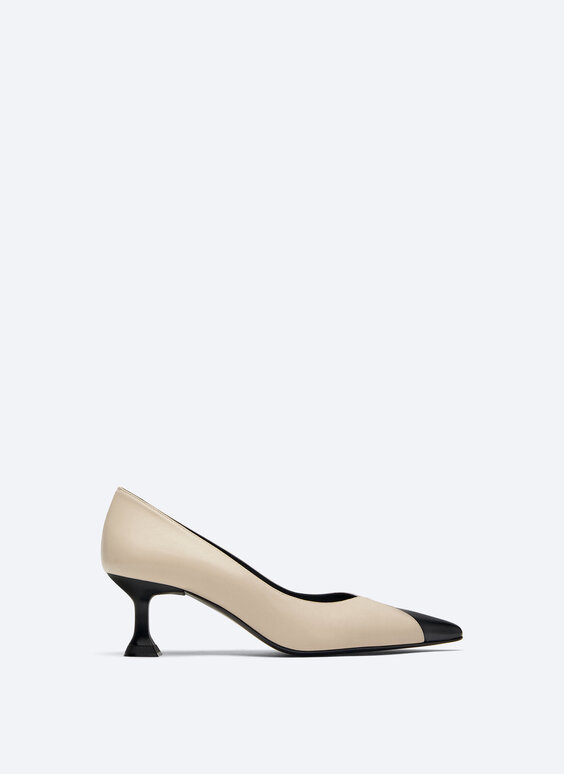 Contrast leather court shoes