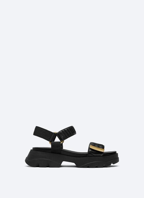 Flat sport sandals