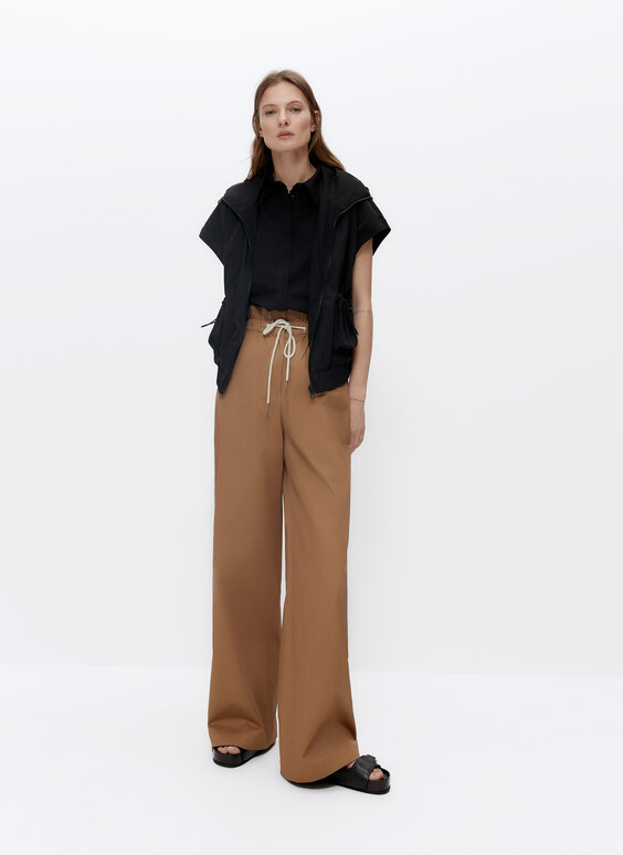 Cotton trousers with elastic waistband