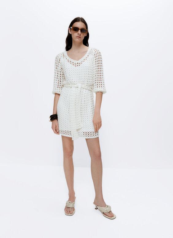 Легкое платье ажурной вязки