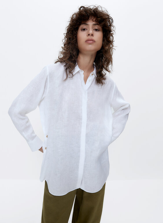 Linen shirt with snap buttons