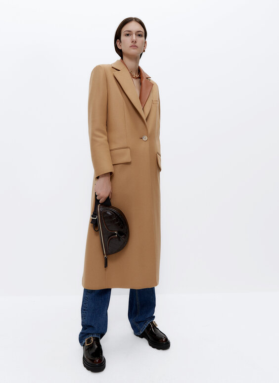 Coat with contrast lining