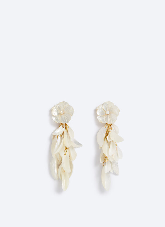 Nacre flower earrings