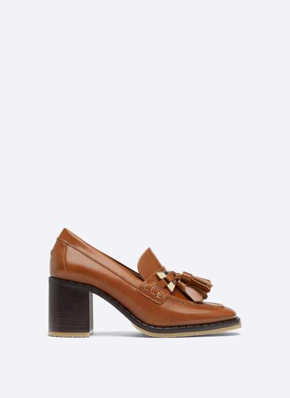 Heeled tassel loafers