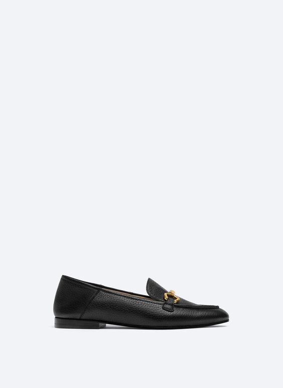 Tumbled leather loafers with chain link